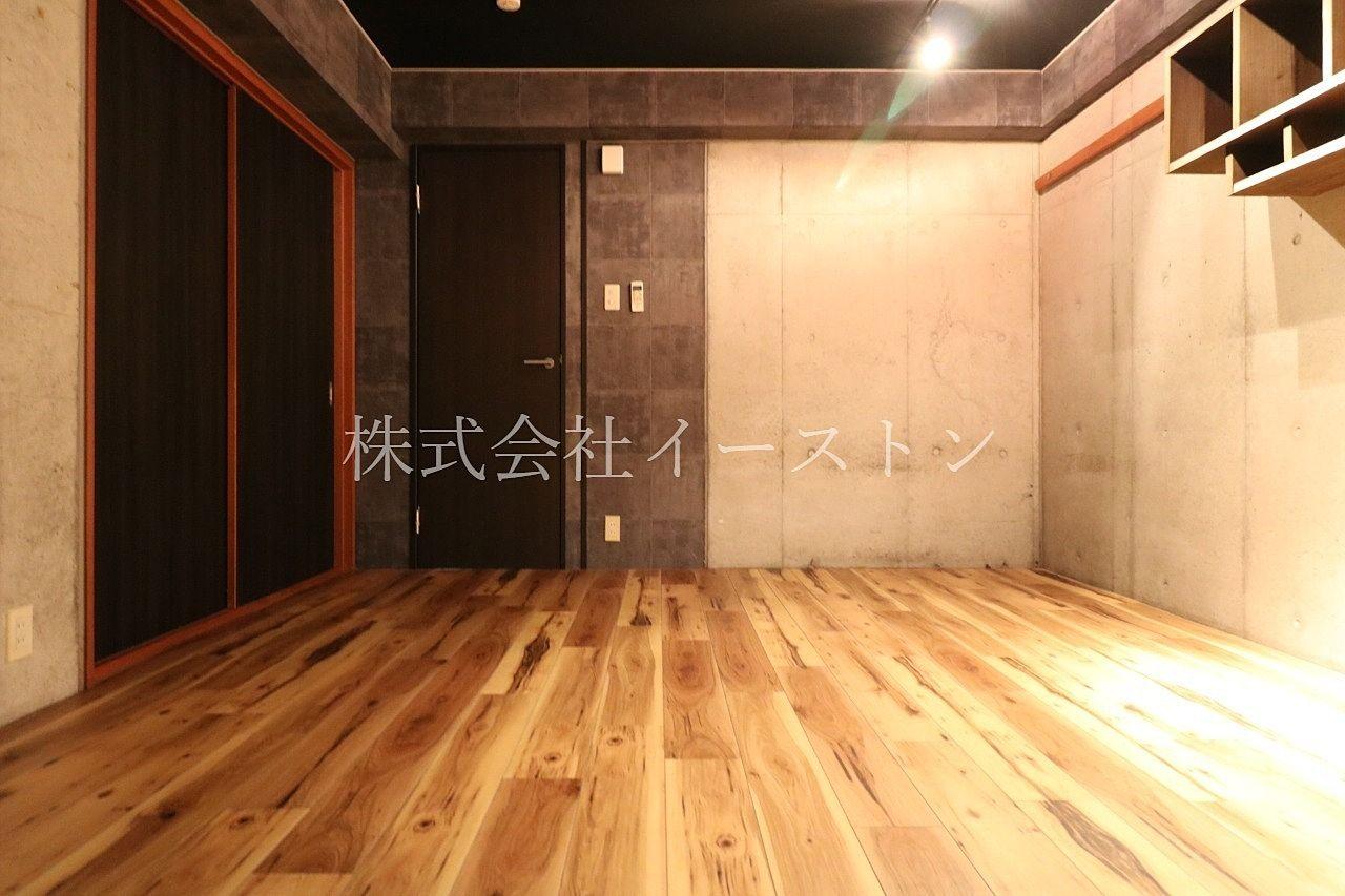 大人びた空間を演出するお部屋