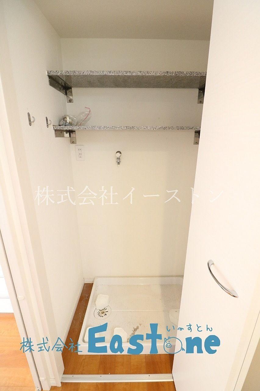 ドア付で音を軽減出来る室内洗濯パン