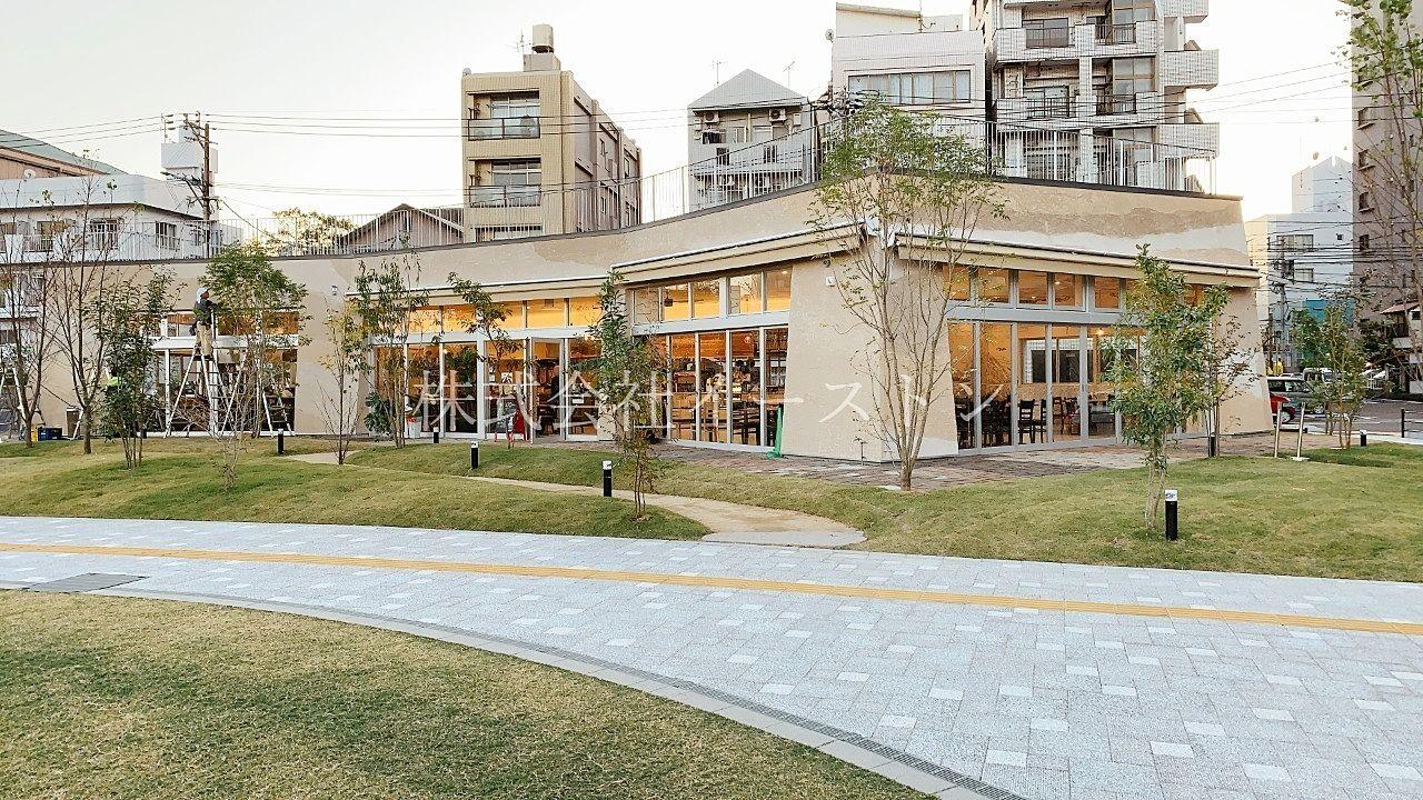鹿児島市加治屋町、市立病院跡地にできた加治屋まち杜公園内にあるカフェ